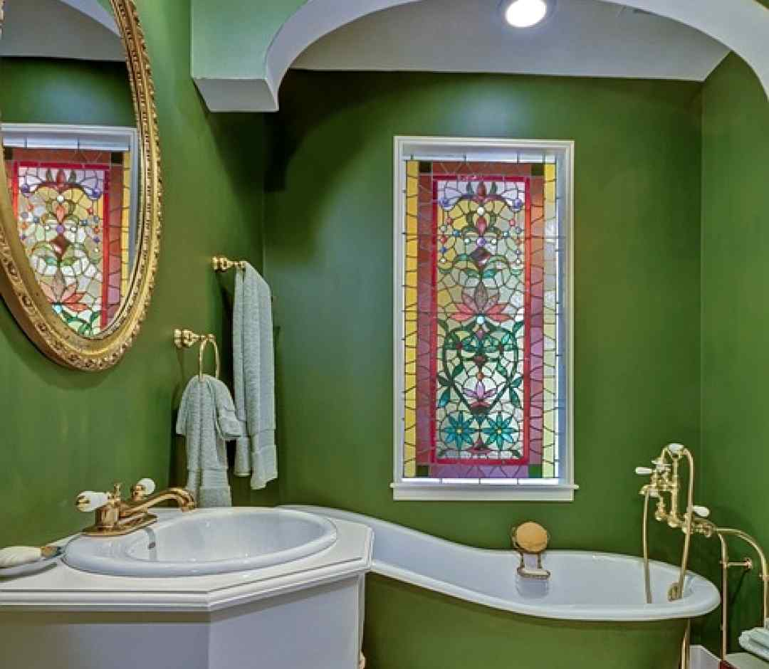 витражи в ванной комнате на окнах ПВХ